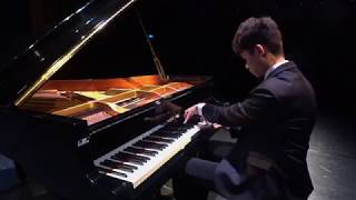 Li-Wei Huang plays J.S. Bach-F. Busoni Toccata and Fugue in d minor for Organ, BWV565