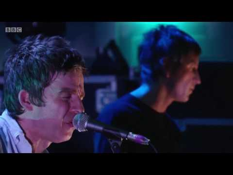 Noel Gallagher's High Flying Birds Ft. Gem Archer - Slide Away live @ BBC Studio 2