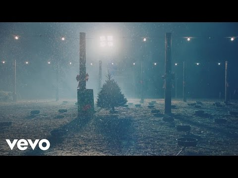 She & Him - Christmas Memories (Video)