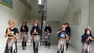 Judulnya: Literasi etnik budaya mata pelajaran IPS di SMPN 144 Jakarta.