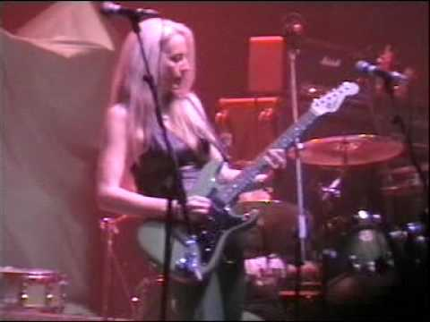 Клип Girlschool - Emergency