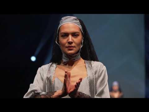 """Fashion Show """"DUALISM"""" FW17 Salon International de la Lingerie"""