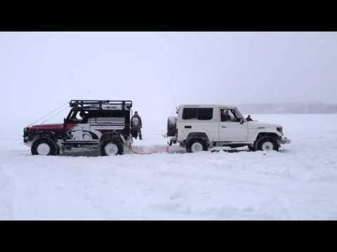 land cruiser vs land rover defender youtube. Black Bedroom Furniture Sets. Home Design Ideas