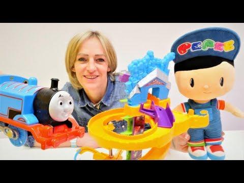 Spielzeug Video Für Kinder - Thomas Die Lokomotive - Wir Packen Spielsachen Aus