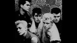 Theatre Of Hate - Love Is A Ghost - Subtitulos español