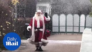 'Santa Claus' arrives at Kensington Palace for festive party thumbnail