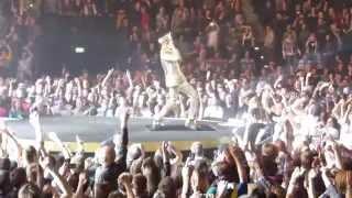 Queen + Adam Lambert - We Will Rock You / We Are The Champions (Live) Hamburg/Germany