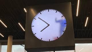 20180220 Amsterdam Schiphol Clock