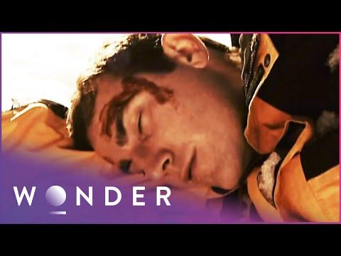 Dangerous Avalanche Knocks Climber Unconscious | Extreme | Wonder