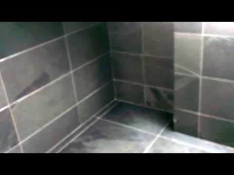 bathroom-complete-whith-black-slate-tiles