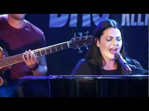 Evanescence - My Heart Is Broken Acoustic Live @ Germany HD