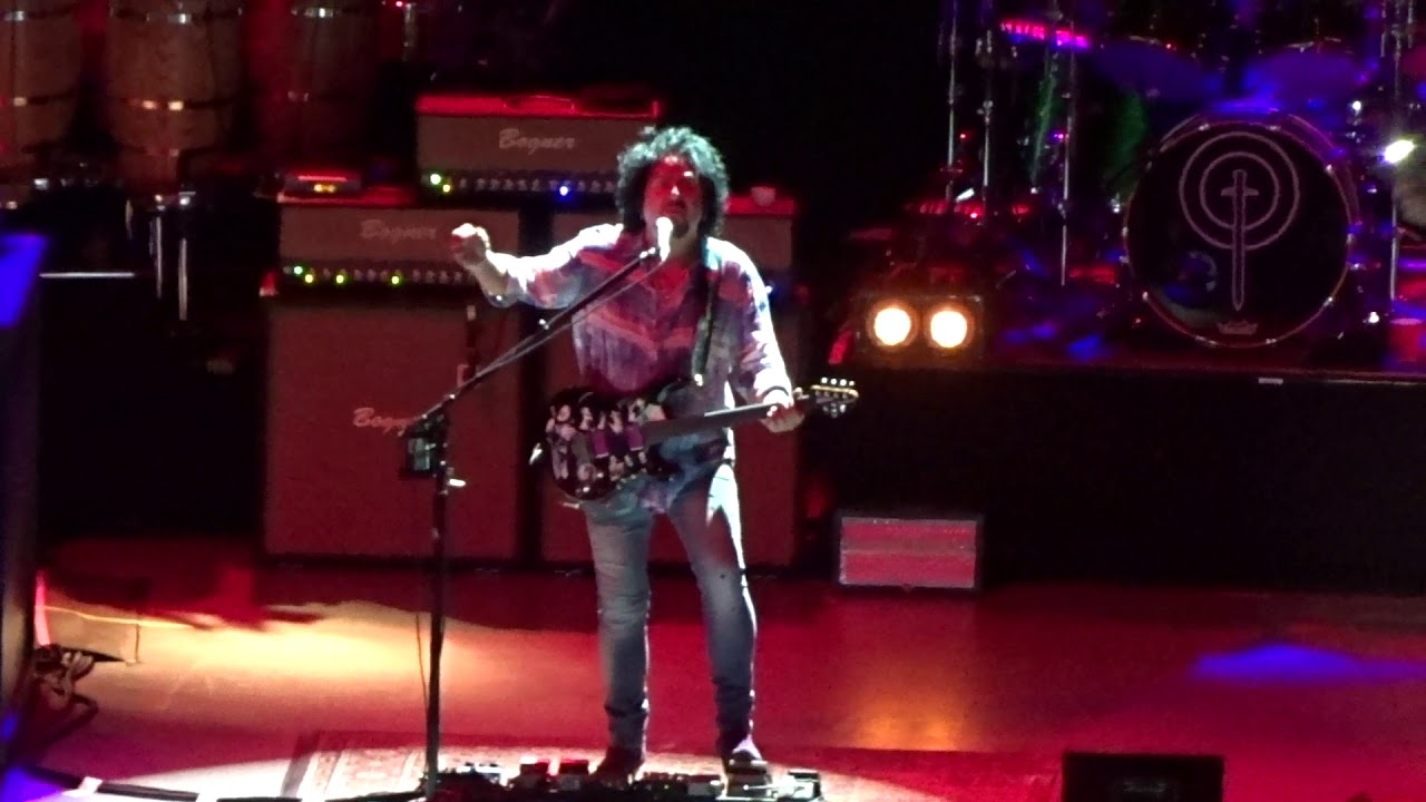 Toto - I\'ll Be Over You - live - Greek Theatre - Los Angeles CA ...