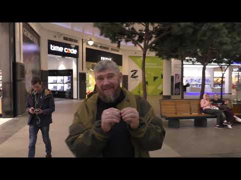 Смотреть фото УРАЛЬСКИЕ КАЗАКИ В МОСКВЕ, В ТОРГОВОМ ЦЕНТРЕ   эпизод из фильма новости россия москва
