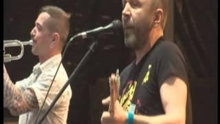 LENINGRAD — Two women (LiVE @ Sziget festival 12.08.2012)