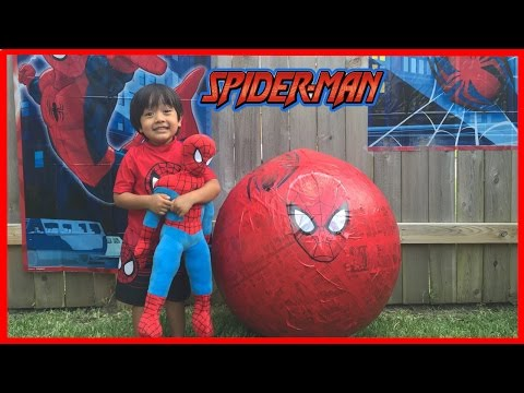 GIANT EGG SURPRISE OPENING SPIDERMAN Marvel superhero toys Kids Video Ryan ToysReview