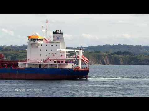 Tanker WEICHSELSTERN leaving A Coruña