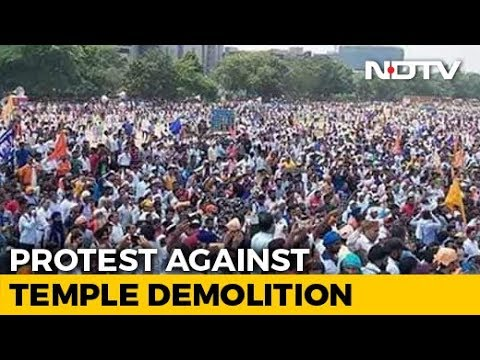 Thousands Of Dalits In Delhi Protest Against Ravidas Temple Demolition