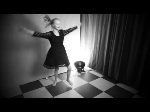 Oona - Let som en fjer
