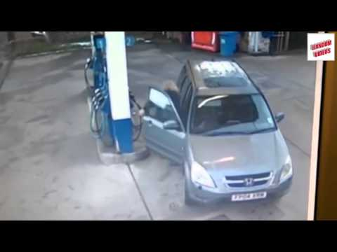 Video of the week 5 - Woman at petrol station