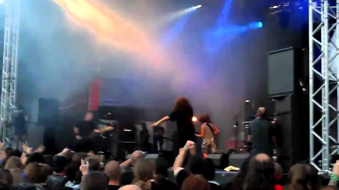 Download Tankard LIVE Brutal Assault 2010 part 1