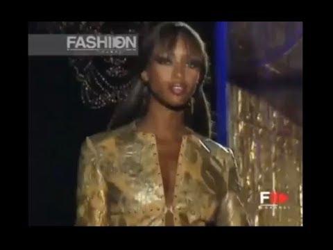 Versace Atelier Fall/winter 1999 – 2000 women's fashion show
