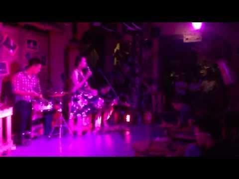Sleepy town cafe- Giàn thiên lý( Nguyên Nhung)