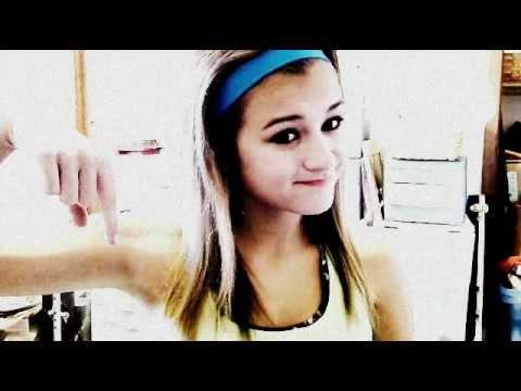 Mistletoe - Justin Bieber (Download & Lyrics) HQ {Music Video}