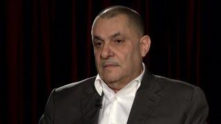 السياسي والصحفي الكويتي  محمد جاسم الصقر في المشهد