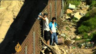 Migrant families divided at Mexican border