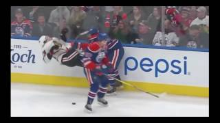 Ouch! The hockey  hits and fights! これは痛い!アイスホッケーファン必見!