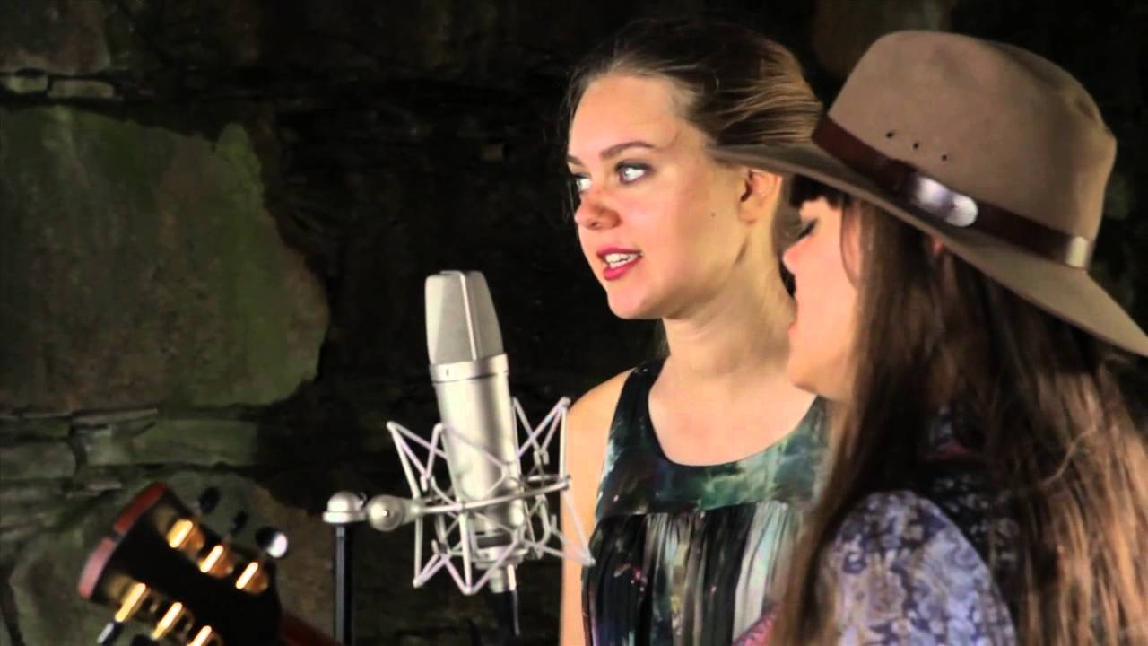 10 Amazing Girl Duets :: Music :: Female Duets :: Paste