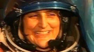 Soyuz capsule lands in Kazakstan