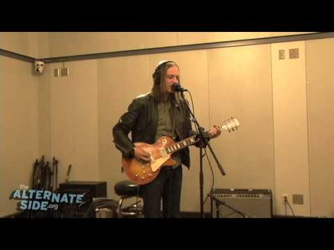 "The Greenhornes - ""Get Me Out Of Here"" (Live at WFUV/The Alternate Side)"