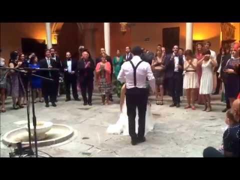 Novio da sorpresa a su mujer en la boda
