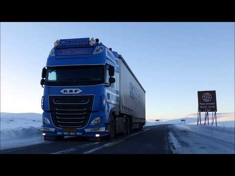 Crossing the Arctic Circle ! - Trip to Hammerfest - WV 10