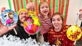 MYSTERY CHRiSTMAS CHALLENGE!! Adley vs Mom vs Dad making holiday ornament magic potions, new diy! Video