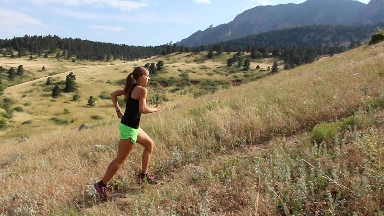 Fitness Girl Hd Wallpaper Uphill And Downhill Running Form Tips And Techniques