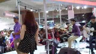 Geisha - Selalu Salah versi Reggae @ IIMS 2014 booth Nissan (28/9/2014)