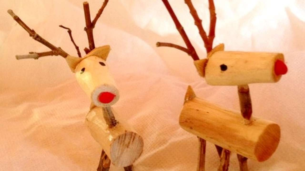 How To Make Lovely Wooden Reindeer Ornaments