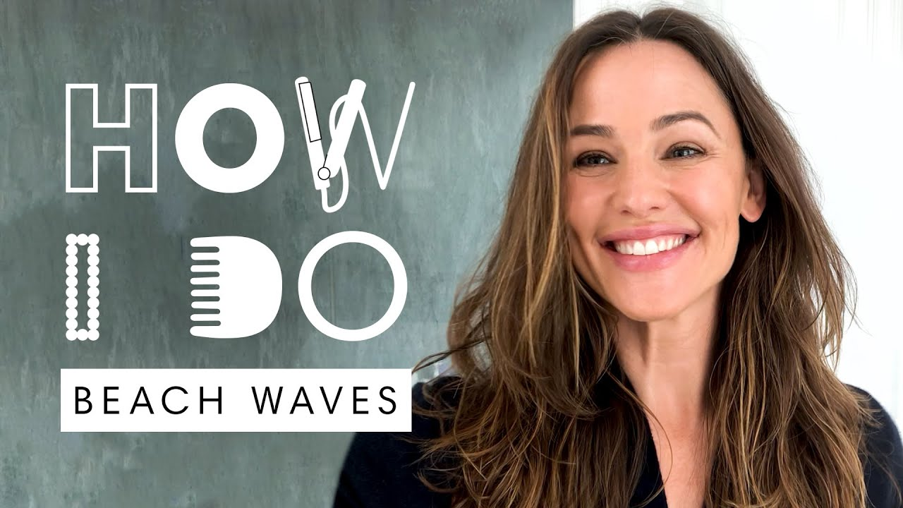 Jennifer Garner's Easy Beach Waves Hair Tutorial  | How I Do | Harper's BAZAAR