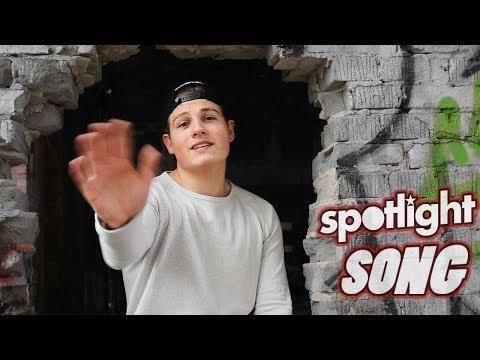 SPOTLIGHT SONG [Offizielles Musikvideo] | Feat. Toni, Jannik, Azra & Mo ||ABGEDREHT