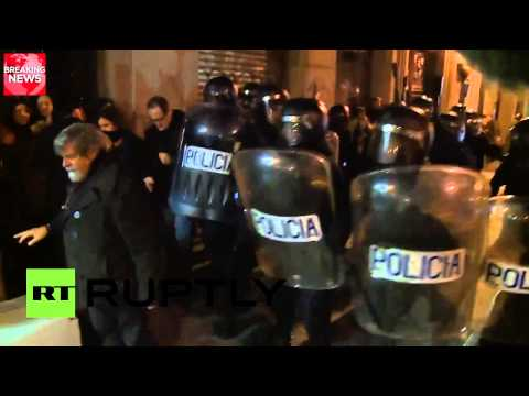 Video: Clashes in Madrid as demonstrators rally against anti-protest bill