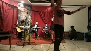 Fiersa Besari - Waktu yang salah (cover ft Nizzuni Band)