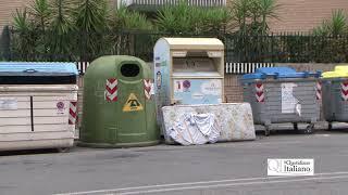 Bari, il materasso dimenticato in via Papa Pio XII