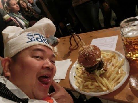 MAN VS FOOD  1 KG HAMBURGER PATATINE 1 LITRO BIRRA CHEF TRONKYCIN & MAAL & BARBY 08.10.2017