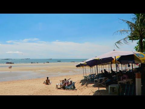 Pattaya Beach – August 2016