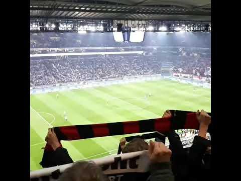 Hymne & Mannschaftsaufstellung von Eintracht Frankfurt gegen Werder Bremen