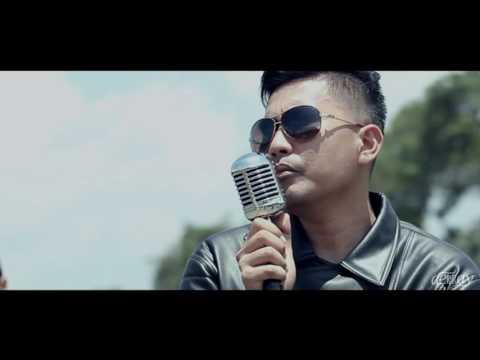 DERRAY - BERTAHAN DALAM GELAP ( Official Video )