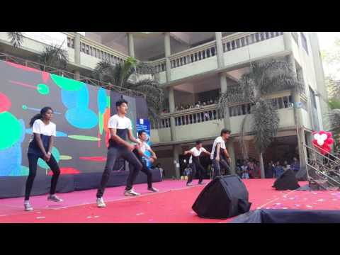 s i a college western dance 2nd place at saket college kalyan