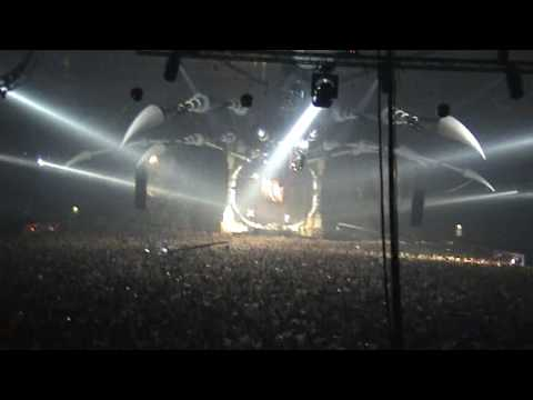Qlimax 2007 - Showtek & DV8 - Shout Out [HQ]